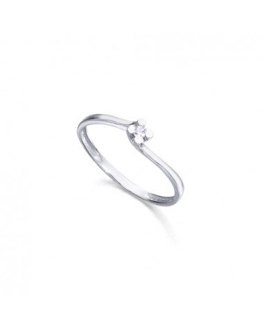 ANILLO SOLITARIO CON DIAMANTES EN GARRAS PRINCESS